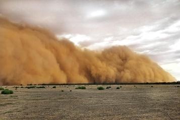 Tempête de sable et averse de grêle en Australie