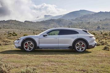 Porsche Cross Turismo L'incarnation del'avenir électrique chez Porsche)