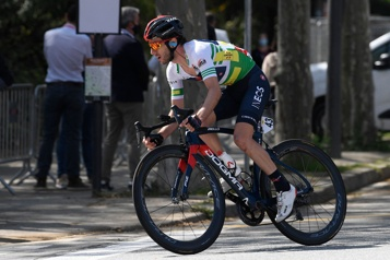 Adam Yates remporte le Tour de Catalogne)