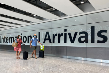 Le Royaume-Uni impose une quarantaine aux voyageurs arrivant de France)