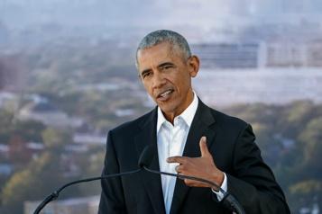 Ouverture en 2025 Barack Obama pose la première pierre de son centre présidentiel)