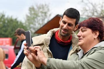 Djokovic ira à Vienne pour se préparer au tournoi de Londres)