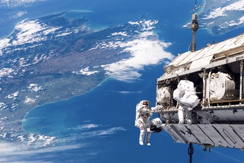 The ISS Experience : bienvenue dans la Station spatiale internationale)