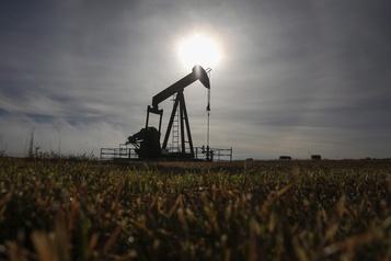 L'industrie pétrolière canadienne réduit à nouveau ses prévisions de forage)
