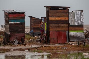 L'ouragan Iota perd de la vigueur au Nicaragua)