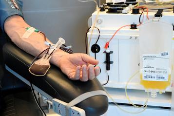 Le plasma convalescent semble prometteur)