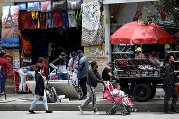 COVID-19: Bogota sort de plus de cinq mois de confinement)