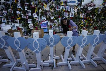 Effondrement d'un immeuble à Surfside Au moins 150millions pour les victimes et les familles)