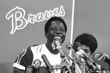 Décès de Hank Aaron Des partisans des Braves veulent renommer l'équipe les Hammers)