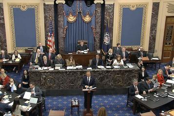 Procès en destitution de Trump: le Sénat entame les débats de fond