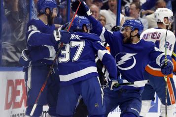 Le Lightning lessive les Islanders8-0)