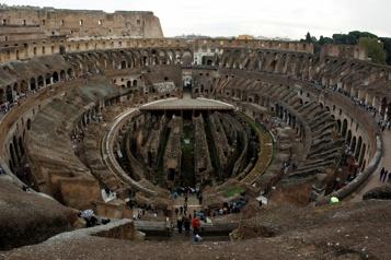 Rome Sélection d'un projet pour reconstituer l'arène des combats du Colisée)
