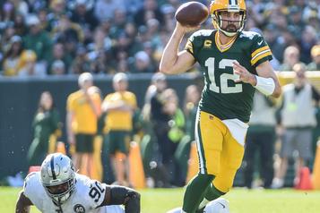 Aaron Rodgers et les Packers font mal paraître les Raiders