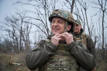 Pression sur Macron Le président ukrainien réclame l'adhésion de son pays à l'OTAN)