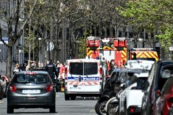 Paris Un mort et une blessée grave par balles devant un hôpital, le tireur en fuite)