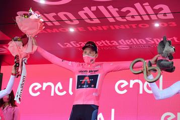 Tao Goeghegan Hart triomphe au Giro d'Italie)