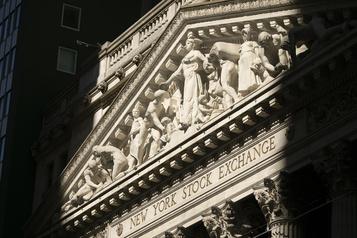 Wall Street en hausse malgré les chiffres décevants de l'emploi privé américain)