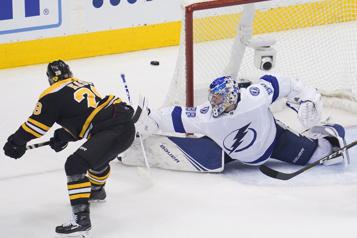 Ondrej Kase signe un contrat d'une saison avec les Maple Leafs)