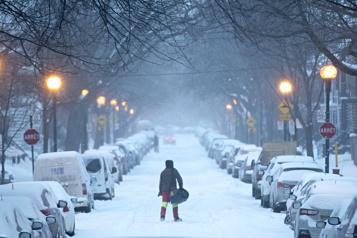 Tempête de neige Plusieurs écoles du Québec fermées)