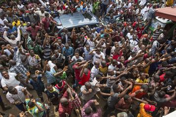 Présidentielle en Guinée: l'opposition dénonce une «fraude à grande échelle»)