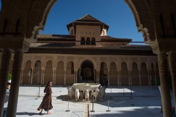 L'Alhambra de Grenade rouvre au public)