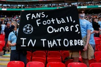 Super Ligue Neuf équipes sanctionnées après un accord avec l'UEFA)