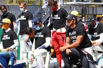 F1: 14 pilotes posent un genou au sol avant le GrandPrix d'Autriche)