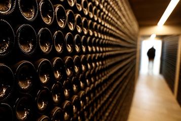 Il sera plus simple d'acheter du vin d'importation privée)