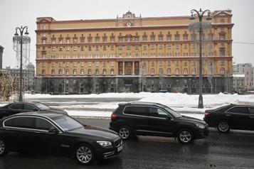 La Russie arrête un diplomate ukrainien accusé d'espionnage, Kiev proteste)