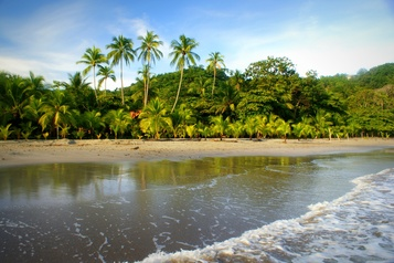Le Costa Rica rouvre ses frontières aux touristes )