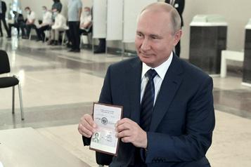 Référendum: Poutine remercie les Russes, l'Occident pointe des irrégularités)
