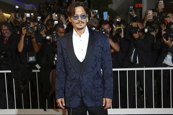 Johnny Depp autorisé à poursuivre The Sun)