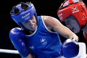 Boxe Mandy Bujold en isolement, le camp canadien interrompu)