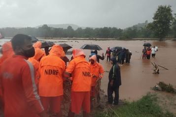Inde Des glissements de terrainfont 36morts et des dizaines de disparus)