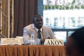 Sénégal: le rappeur Akon pose la première pierre d'une ville digne du Wakanda)