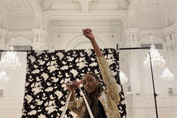 Bertrand La Ligne transforme ses retailles enchics sacs à main)