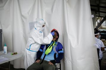 COVID-19: sévères restrictions au Costa Rica, confronté à une résurgence du virus)