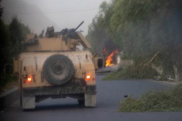 Afghanistan Les combats pour empêcher les talibans de s'emparer de grandes villes reprennent)