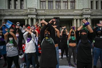Guatemala Troisième samedi de manifestation pour réclamer la démission du président)