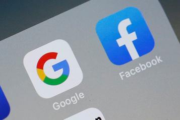 Londres lance un code de conduite visant Google et Facebook)