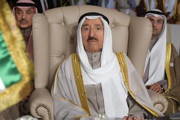Décès de l'émir du Koweït, le prince héritier lui succède)