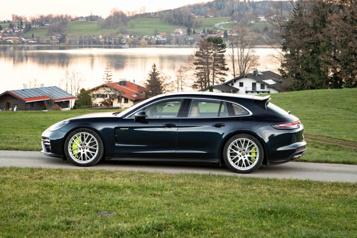 Porsche La concurrence de la Porsche Panamera Turbo S-E Hybrid Sport Turismo)