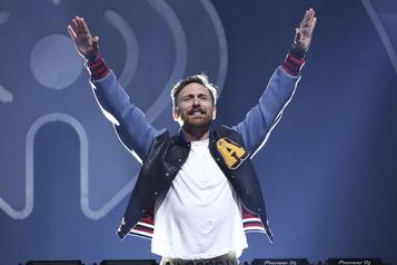 David Guetta aux platines à New York pour redonner de la joie)