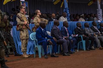 Influence russe en Centrafrique Paris gèle son aide budgétaire et sa coopération militaire)