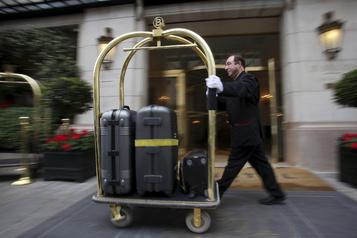 Périlleuse réouverture pour les hôtels de luxe parisiens)
