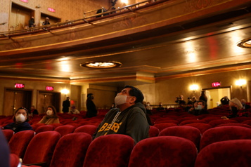 Vaccination et masques exigés à Broadway)