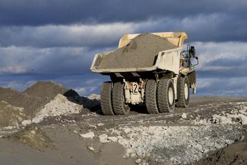 Newmont réinvestit dans Ressources Sirios