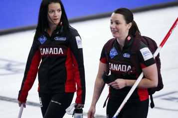 Le Canada éliminé du Mondial de curling féminin)
