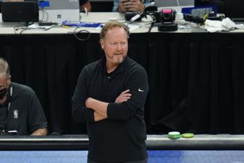 Mike Budenholzer s'entend avec les Bucks)