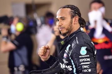 Formule 1 Lewis Hamilton anobli après avoir récolté son septième titre)